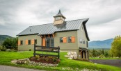 traditional-cozy-house-built-to-look-like-an-old-barn-1