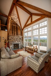 traditional-cozy-house-built-to-look-like-an-old-barn-8