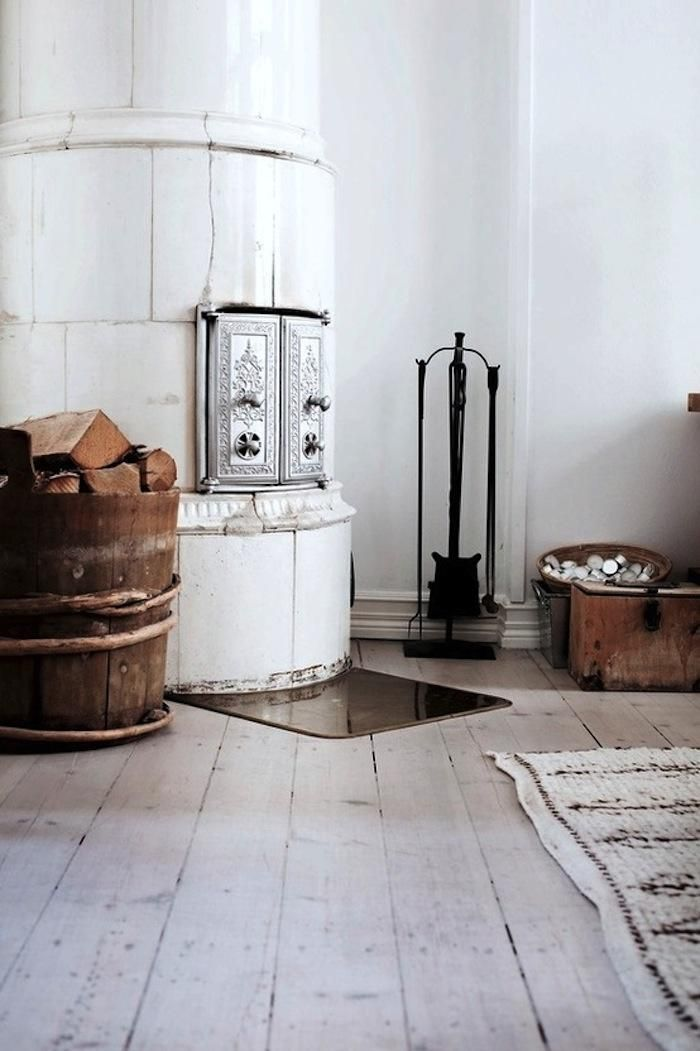 29 Traditional Tile Stoves In Home Décor