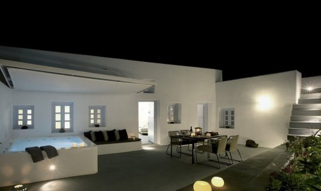Traditional Villa In Greece With Ultra-Minimalist Interiors
