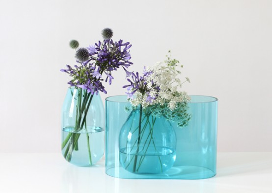 Transparent Blue Vase That Can Be Composed Like A Bouquet