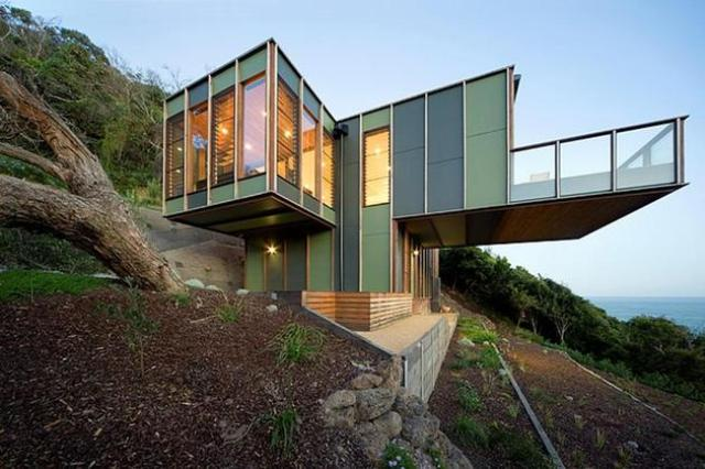 Tree-Shaped House With Modern Interiors At The Seaside