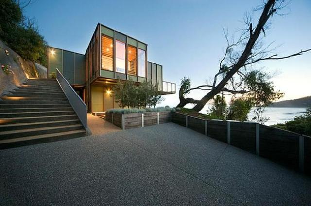 Tree Shaped House With Modern Interiors At The Seaside