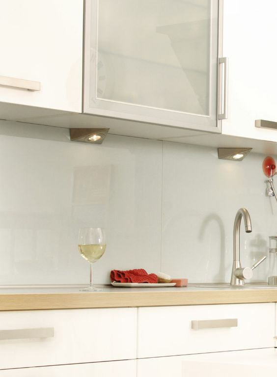 Kitchen Backsplash Glass 28 trendy minimalist solid glass kitchen backsplashes - digsdigs