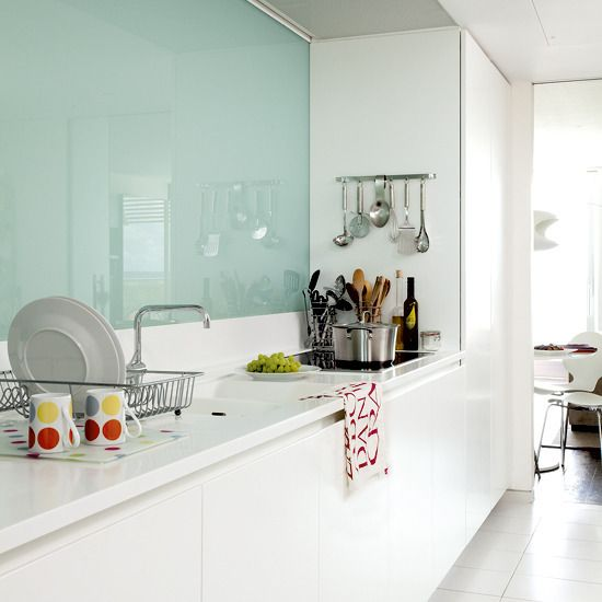 Trendy Minimalist Solid Glass Kitchen Backsplashes