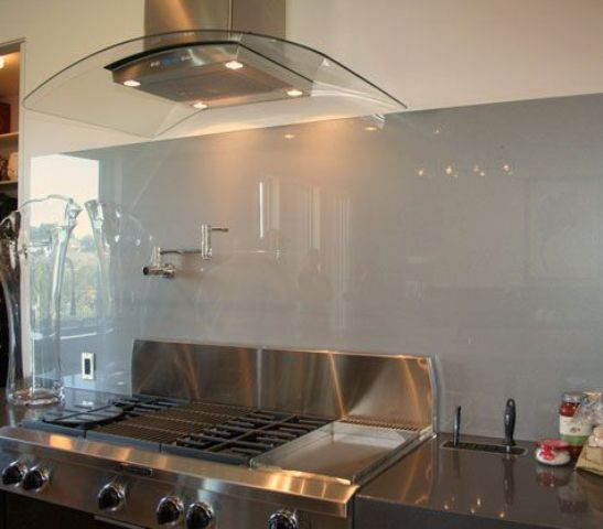 glass kitchen backsplashes 28 trendy minimalist solid glass kitchen backsplashes 1228