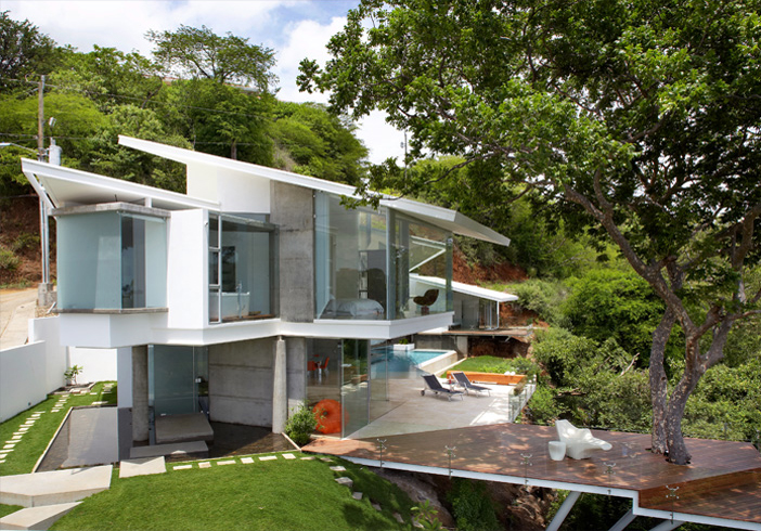 Tropical Dream House To Live Outdoors And Enjoy Beautiful Views