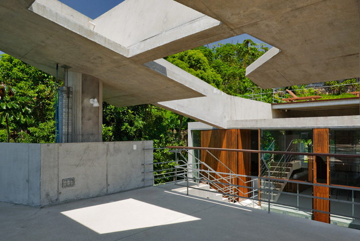 Picture Of tropical house design  4