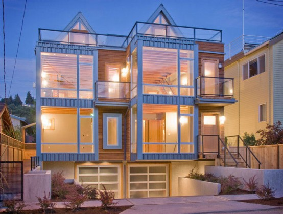 Two Townhouses Half Block From The Beach