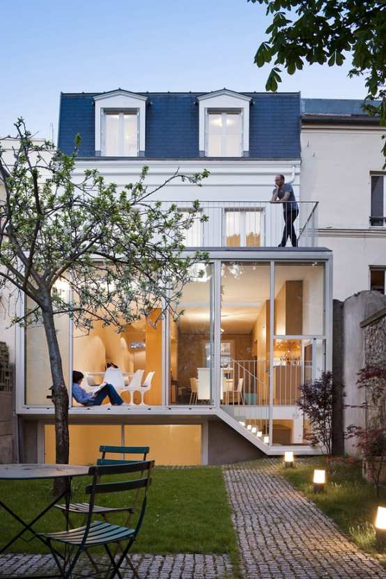 Ultra-Minimalist And Highly Efficient French House