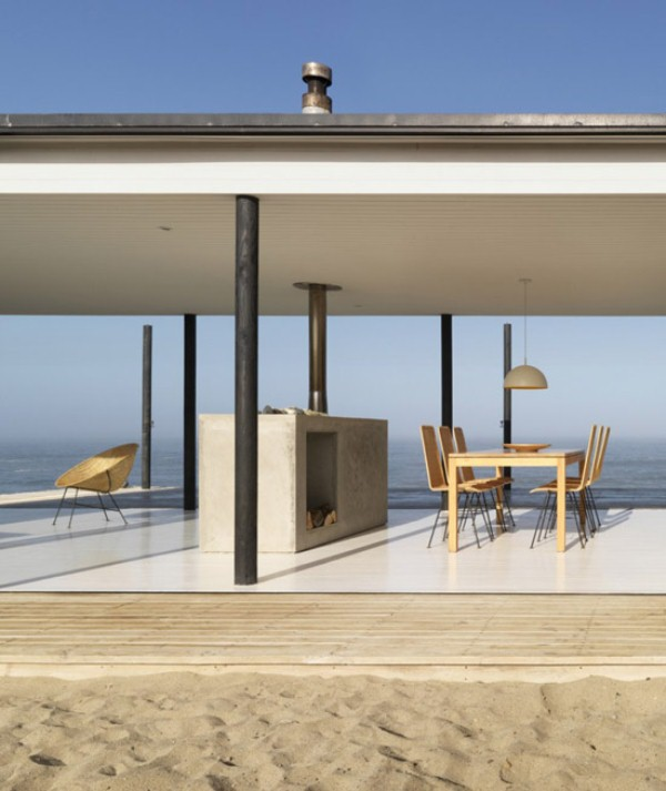 Ultra minimalist beach retreat in chile digsdigs for Ultra minimalist house