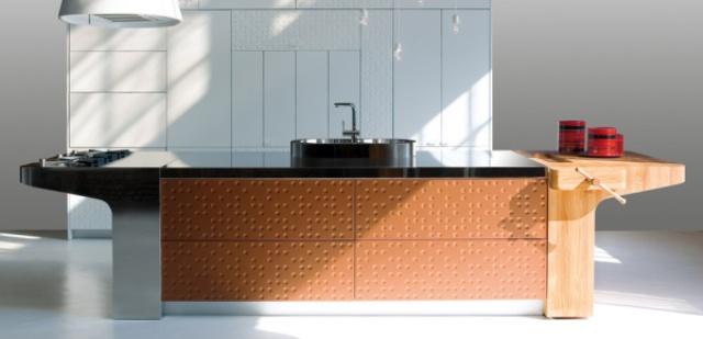 Ultra-Minimalist Clutter-Free Mesa Kitchen By Schiffini