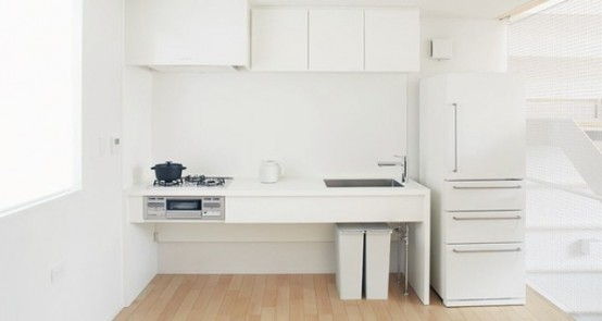 Ultra Minimalist White House On A Narrow Lot