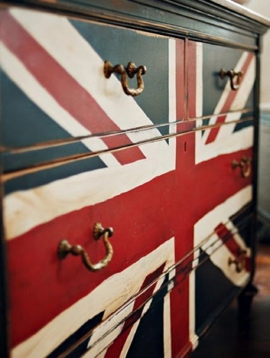 Union Jack Furniture Collection To Make Bright Accents