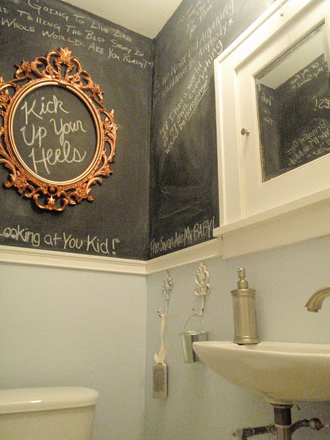 21 unconventional chalkboard bathroom d cor ideas digsdigs for Different bathroom ideas