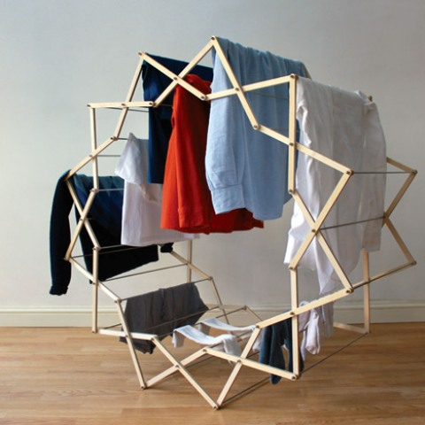 Practical And Unique Star-Shaped Clothes Horse