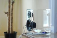 unique-transparent-oneclassic-speakers-4