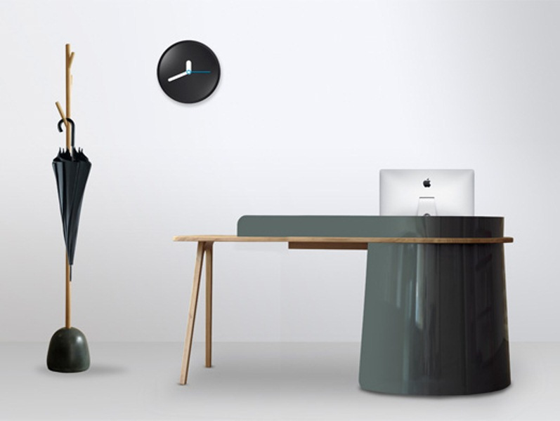 Unusual Big Boss Desk Of Metal And Leather
