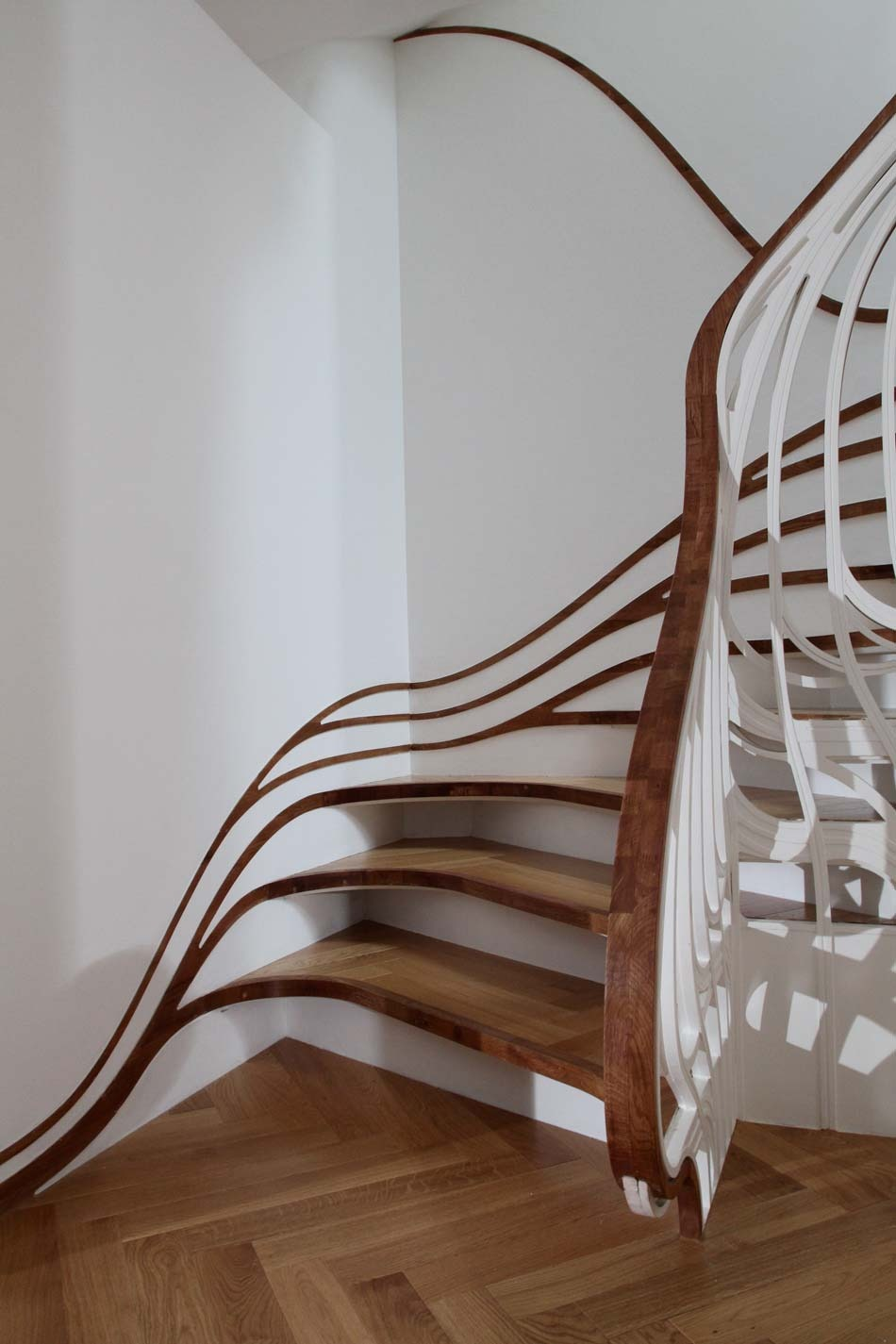 Unusual curved staircase digsdigs for Architecture spiral staircase
