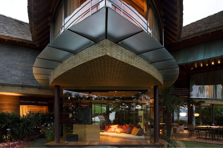 Unusual Tropical House Design
