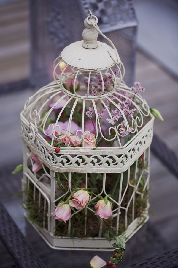 Using bird cages for decor 46 beautiful ideas digsdigs - Decoration cage oiseau ...