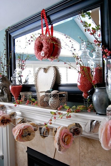 65 Valentine's Day Mantel Décor Ideas
