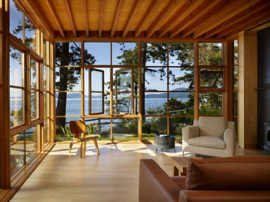 An awesome view can make any sunroom special