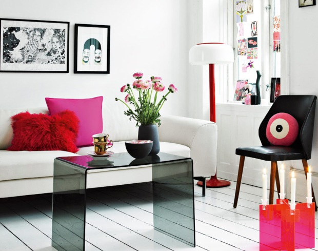 Very Feminine Apartment Interior Decor with Dominant Pink Color