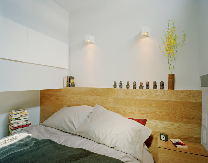 Tiny yet very cosy studio apartment design digsdigs Very small apartment design