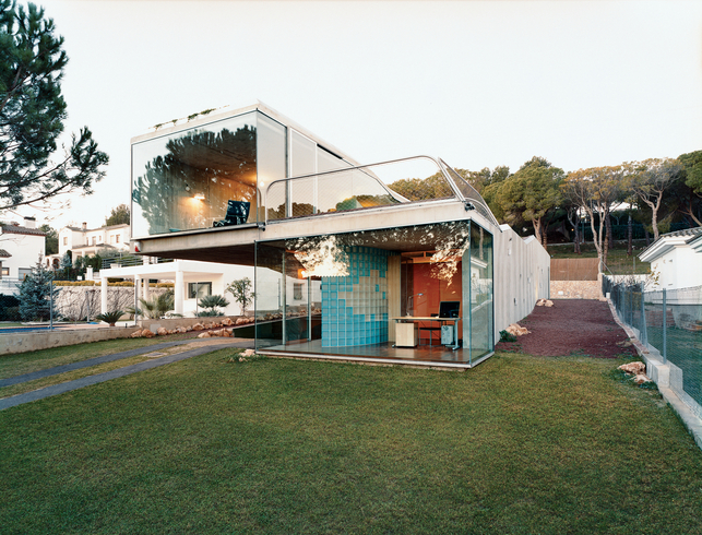 Villa Bio – Contemporary House with Hydroponic Rooftop Garden ...