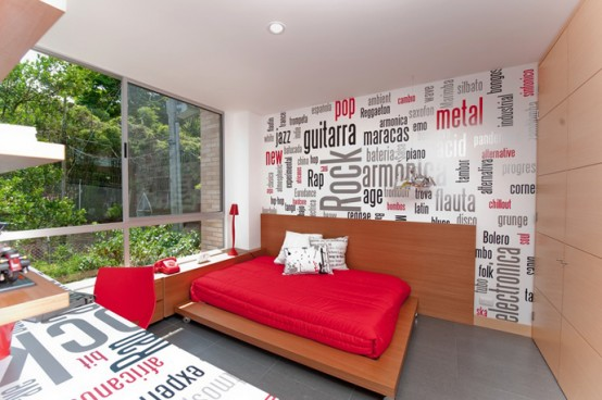 Vinbrant And Energetic Home Interior By Mao Lopez