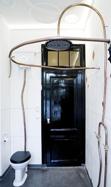 Vintage And Sculptural Bathroom Design