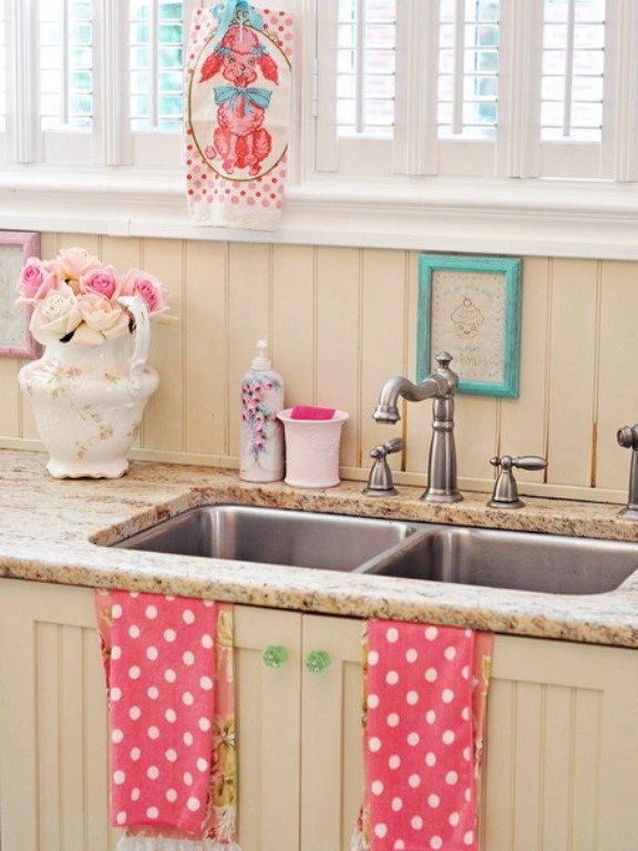 Cool vintage candy like kitchen design with retro details for Idee deco retro chic