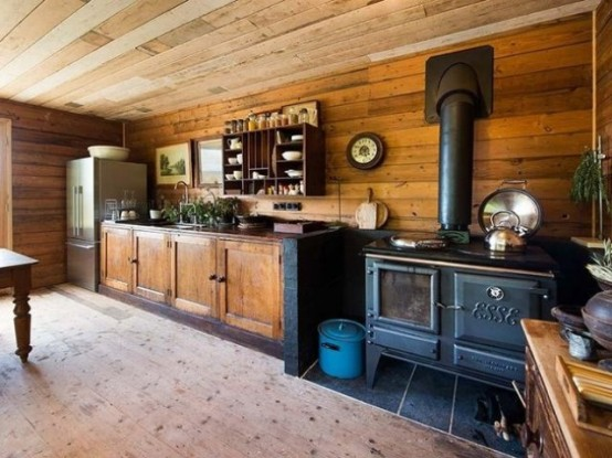 Vintage Country Cottage With Rustic Aesthetics