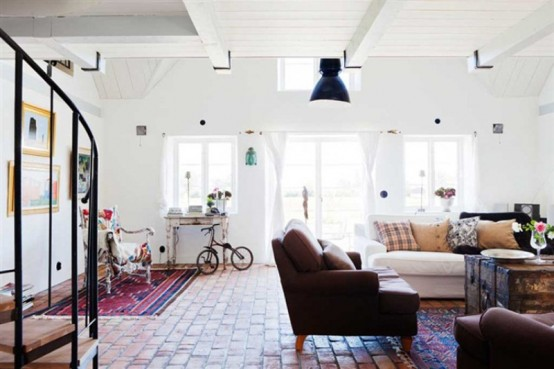 Vintage Scandinavian House With Shabby Chic - DigsDigs