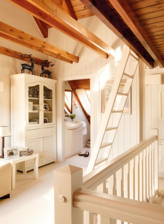 Vintage Wooden House In The Pyrenees