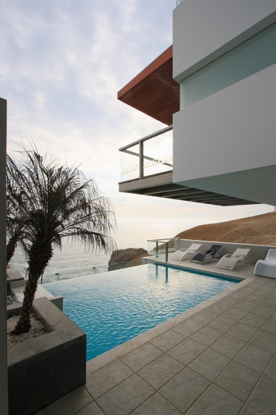 Visual Masterpiece With Ocean Views Alvarez Beach House
