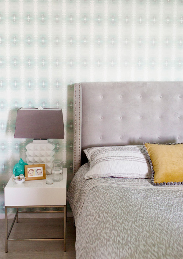 Vivacious Bachelorette Loft With A Fresh Color Palette