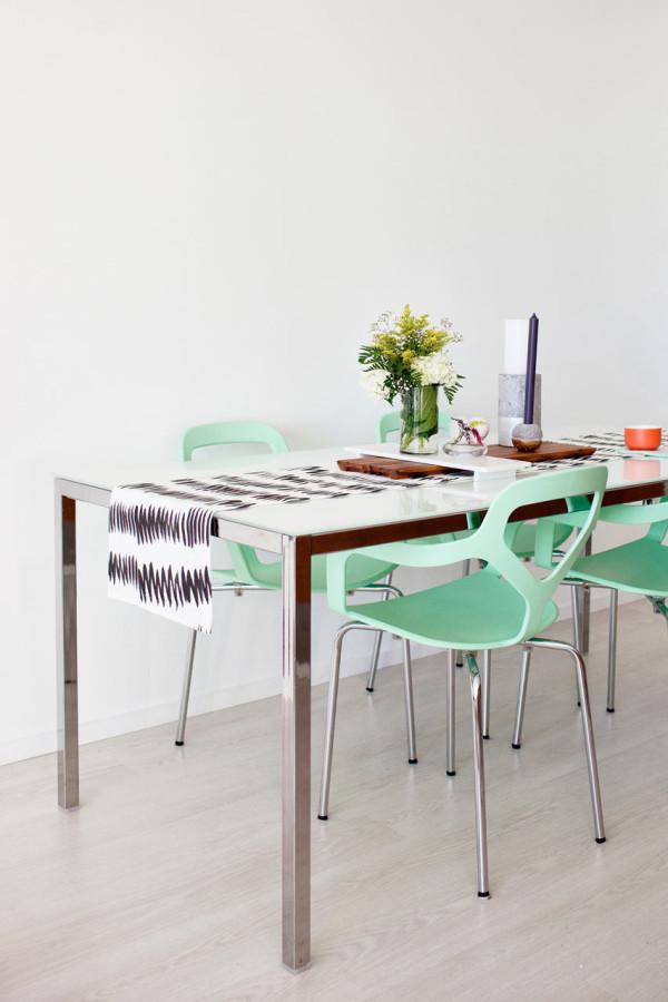 Vivacious Bachelorette Loft With A Fresh Color Palette