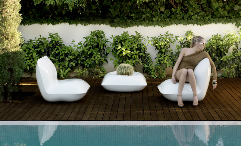 Outdoor Furniture That Reminds Cushions – Pillow by Vondom