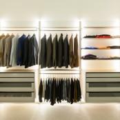 Walk In Dresswall Closet To Make Dresseing A Pleasure