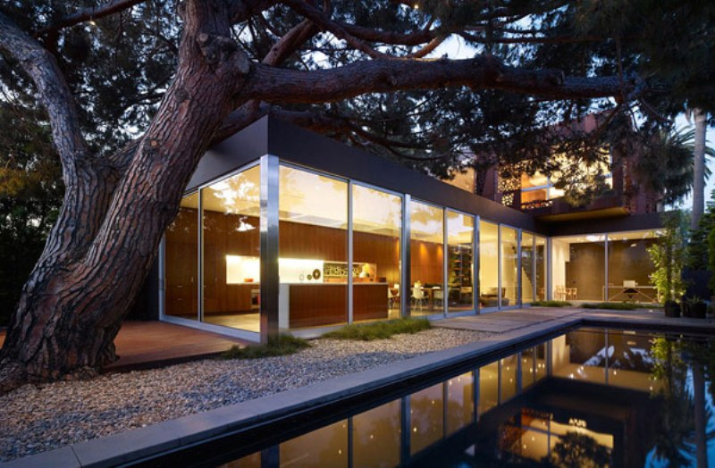 Walnut Residence With Impressive Architecture And Modern Interior