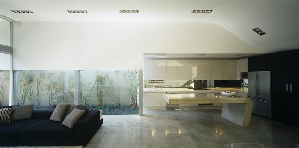 Modern minimalist beach house wave house by tony owen - Casa minimalista interior ...