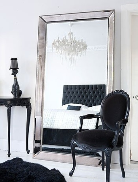 Ways To Incorporate Antique Chairs Into Modern Decor - 23 Ways To Incorporate Antique Chairs Into Modern Decor - DigsDigs