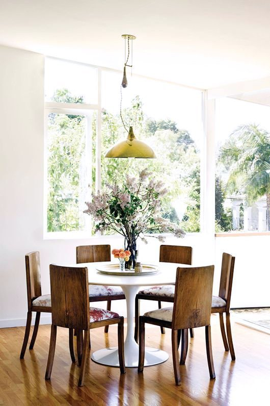 Ways To Incorporate Antique Chairs Into Modern Decor