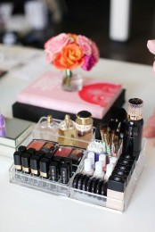 ways-to-organize-your-makeup-and-beauty-products-like-a-pro-14