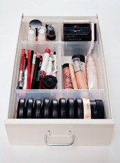 ways-to-organize-your-makeup-and-beauty-products-like-a-pro-16