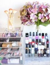 ways-to-organize-your-makeup-and-beauty-products-like-a-pro-22