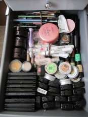 ways-to-organize-your-makeup-and-beauty-products-like-a-pro-23