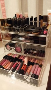 ways-to-organize-your-makeup-and-beauty-products-like-a-pro-24